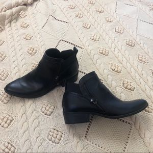 Like New G by Guess Black Booties